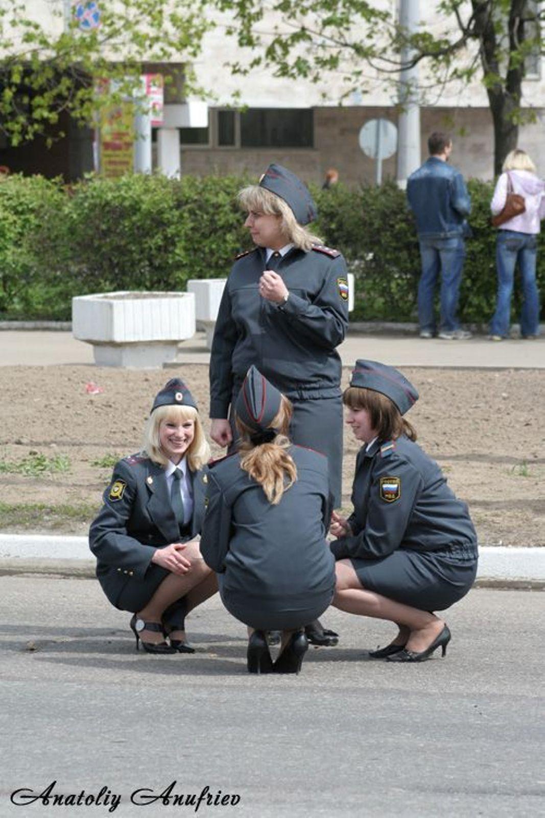 Милиция в юбке (11 фото) .